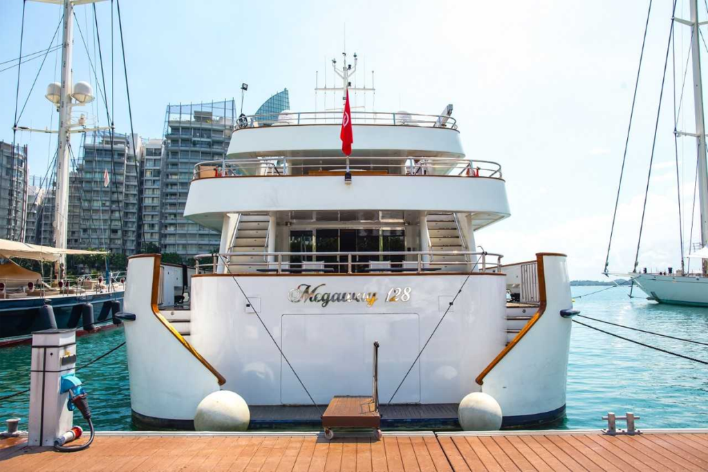 SuperYacht Singapore