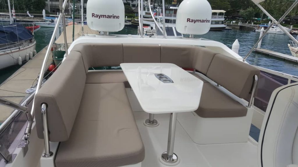Flybridge - 2014 Horizon E56