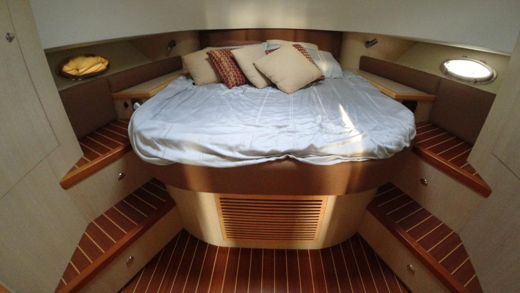 Gulf Craft Silvercraft 40 - Cabin