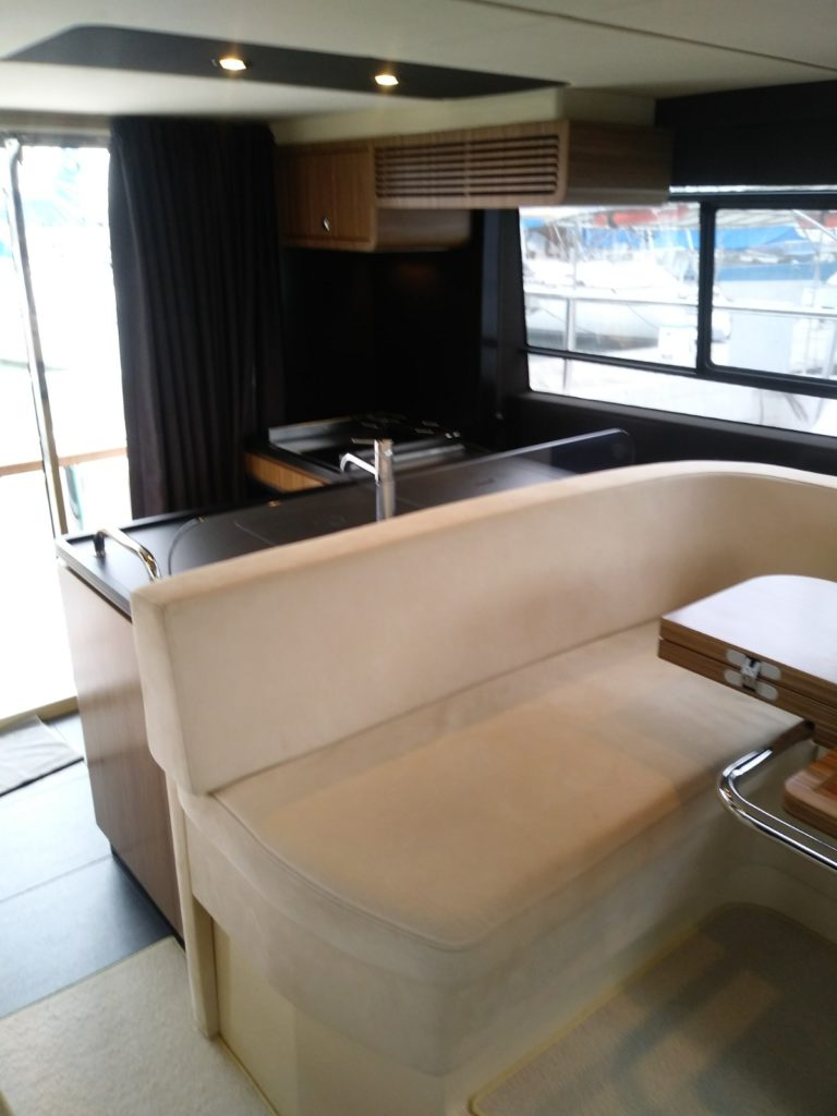 Galley - 2017 Azimut 43' Magellano