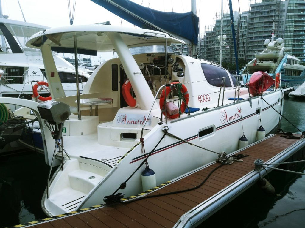 2005 Leopard Sailing Catamaran