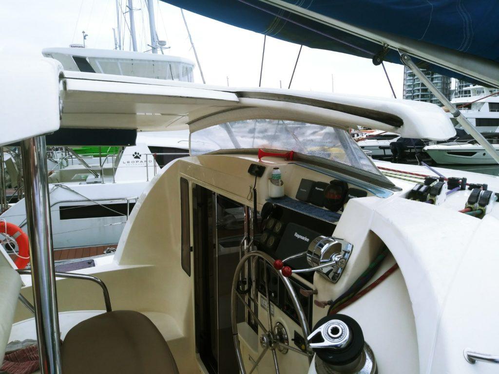 2005 Leopard Sailing Catamaran - Helm