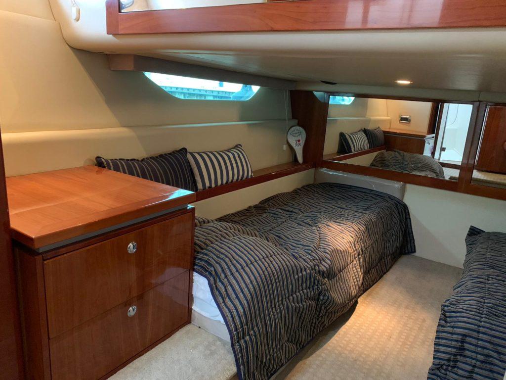 2008 Riviera 4400 Sports boat - cabin